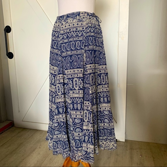 Blue & white floral maxi Skirt